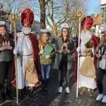 Hl. Nikolaus zu Besuch in der Münchner Straße